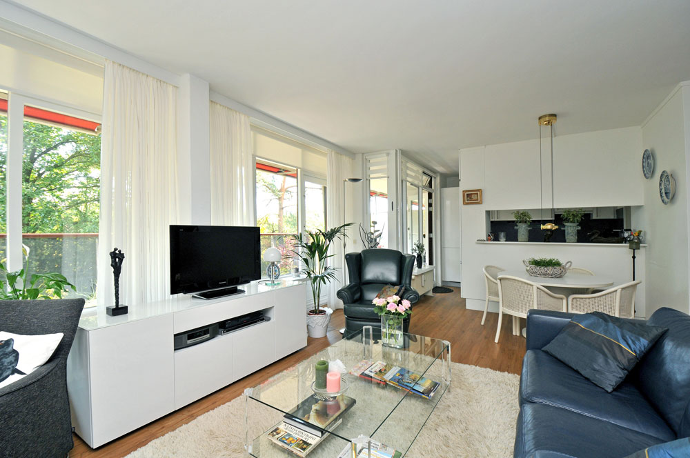 Serviceflat Houdringe woonkamer